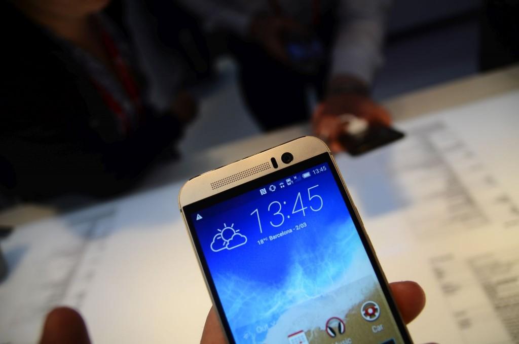 HTC-One-M9-53