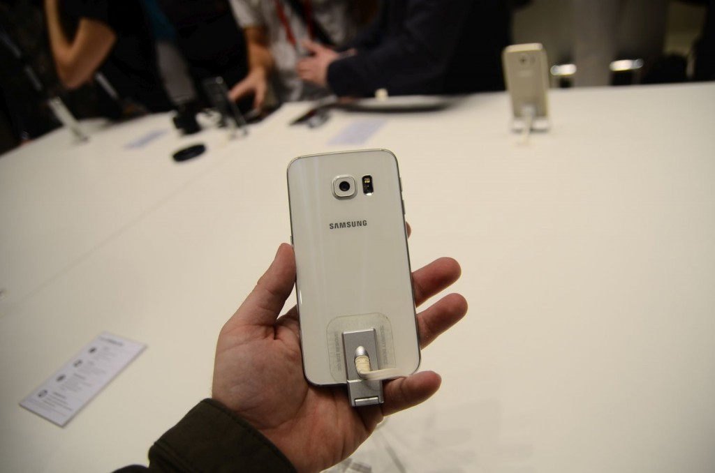 Samsung-Galaxy-S6-Unpacked-1665