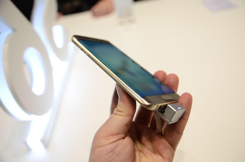 Samsung dezvăluie cum este realizat designul lui Galaxy S6 Edge