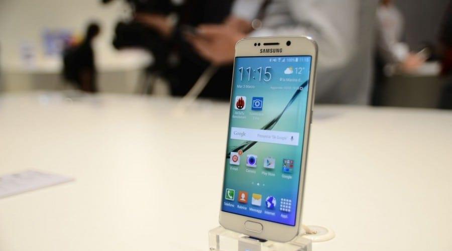 Samsung Galaxy S6 și Galaxy S6 Edge: Primele impresii cu cele două telefoane