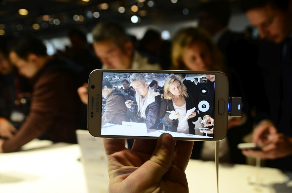 Samsung Galaxy S6 Unpacked 625 1024x678 Samsung Galaxy S6 și Galaxy S6 Edge: Primele impresii cu cele două telefoane