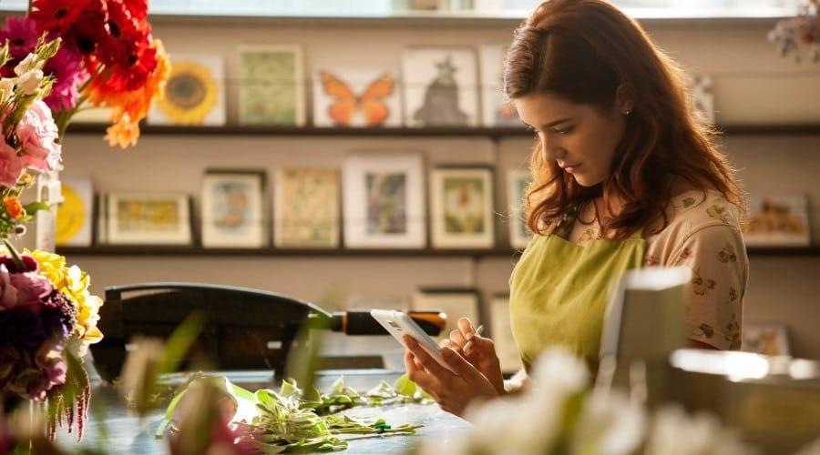 """Digi Mobil a lansat oferta """"Vino cu prietenii!"""" care aduce reduceri de 50% la abonament, până la 6 luni"""
