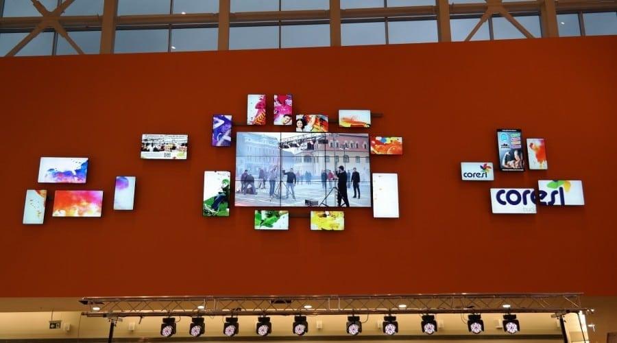 Mai mare, mai bine: Samsung implementează cel mai mare Video Wall Irregular din Europa Centrală și de Est