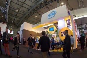 Standul Intel la Mobile World Congress