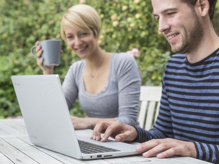 Peste 3,1 de români nu dispun de acces la internet fix de mare viteză