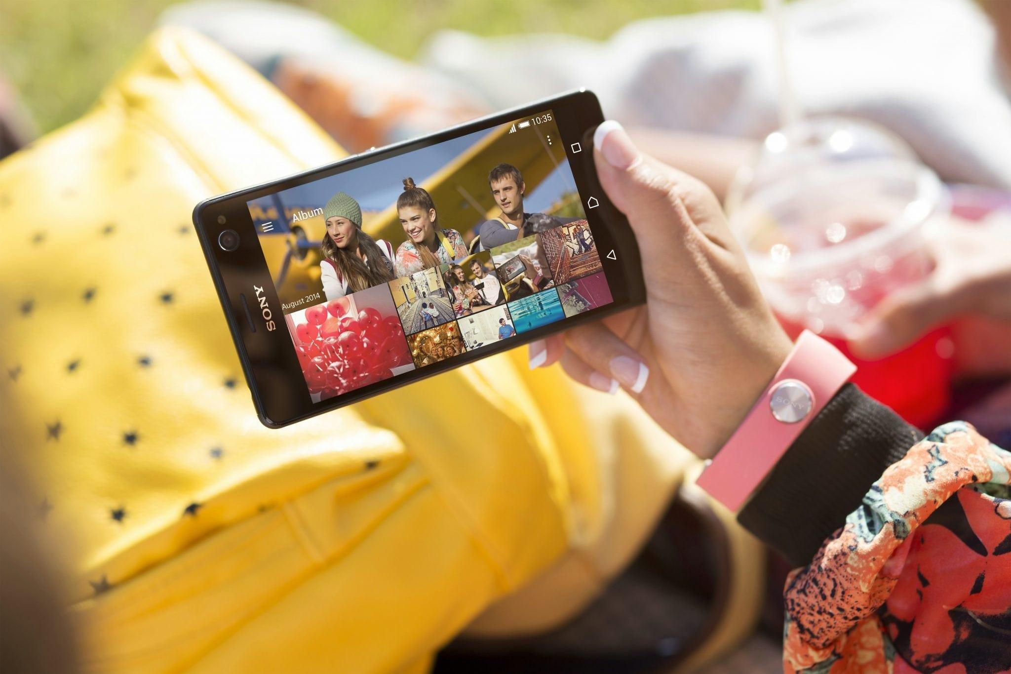 Sony a lansat Xperia C4, un smartphone gândit pentru fanii selfie