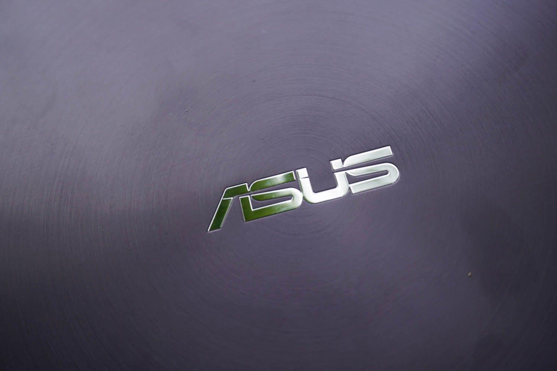 Asus-Zenbook-UX305-4