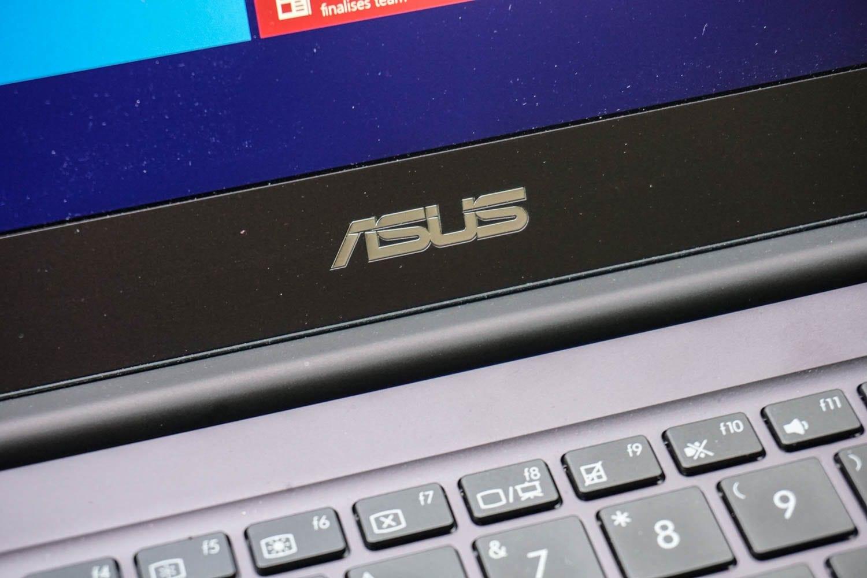 Asus-Zenbook-UX305-7