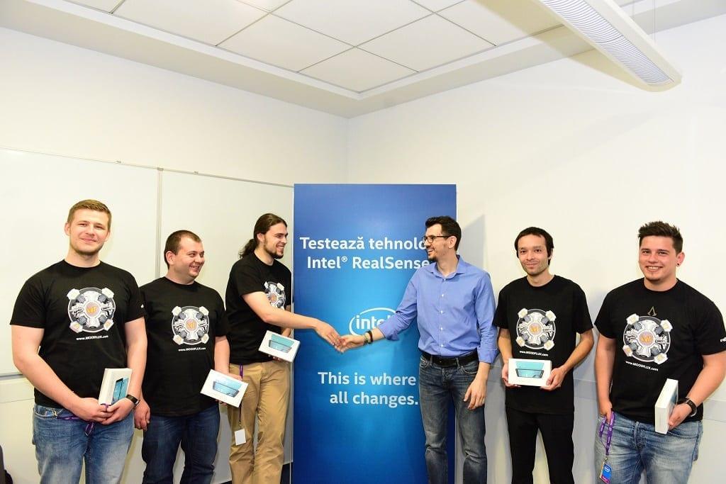 Echipa MoodFlux si Bogdan Georgescu, Intel