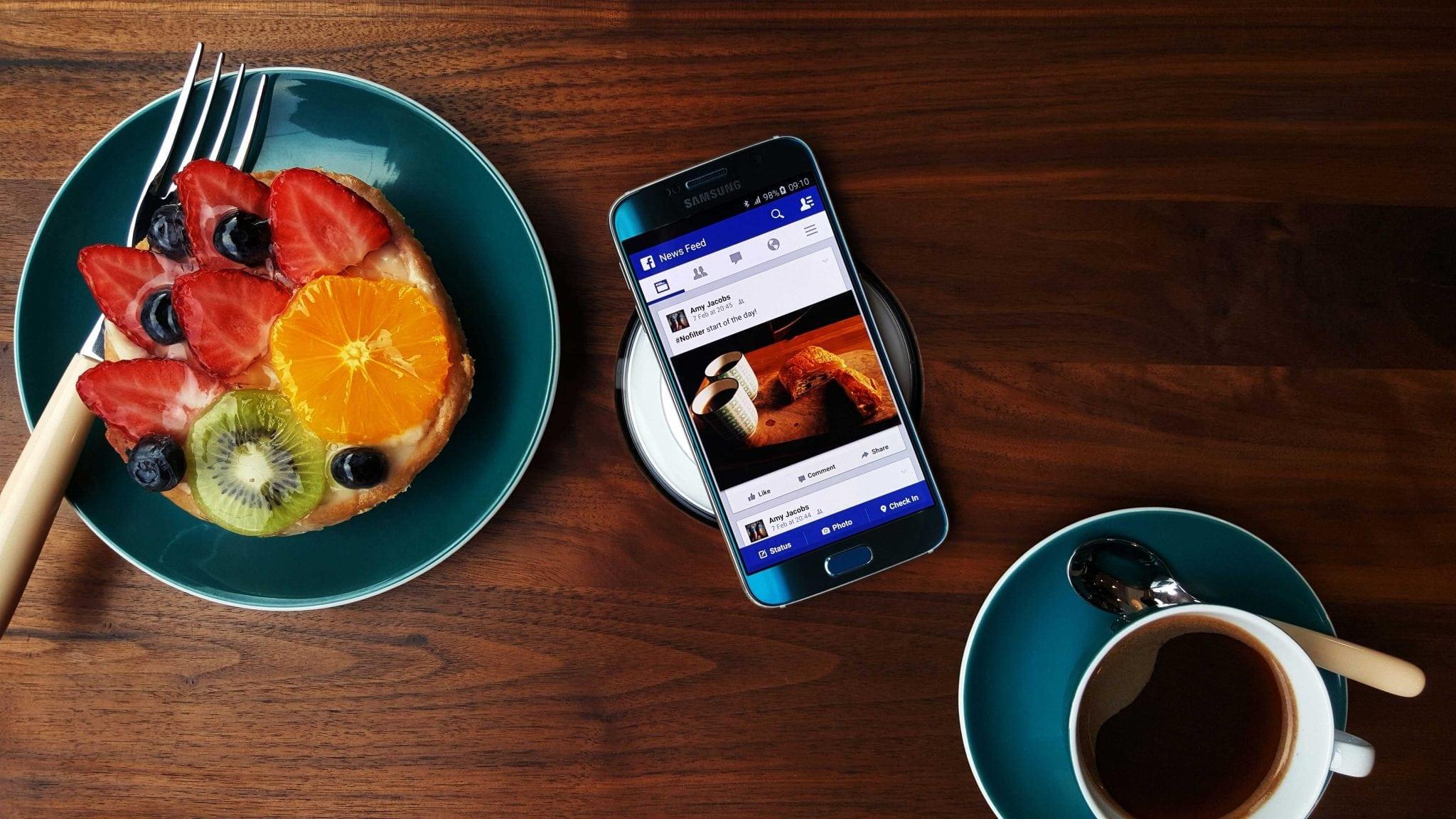 Adio încărcătoare cu fir! Samsung ne arată beneficiile încărcării wireless.