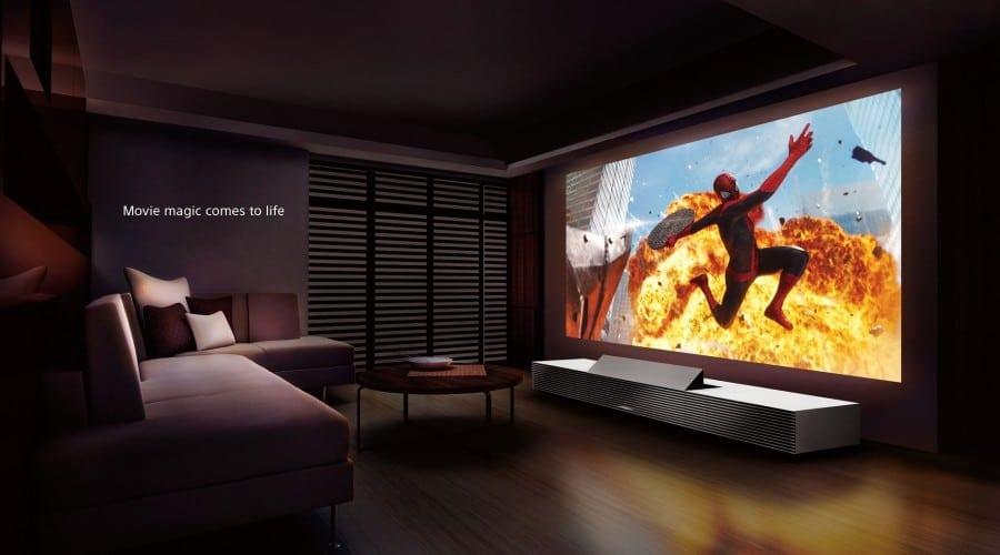 Sony anunță proiectorul 4K Ultra Short Throw, integrat într-o piesă de mobilier avangardistă