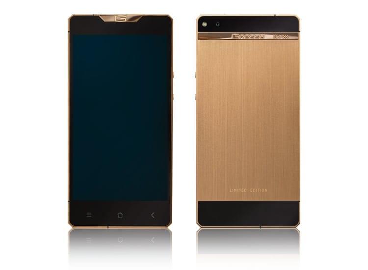 Gresso prezintă modelul Regal Gold, un nou smartphone de lux