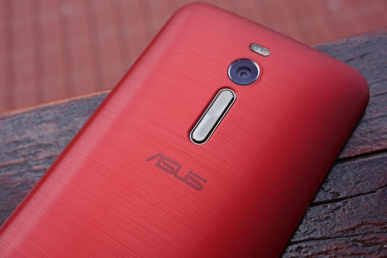 Asus Zenfone 2 review: smartphone cu 4 GB de memorie RAM la preț bun