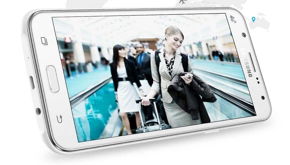 Samsung lansează Galaxy J5 și Galaxy J7, terminale ce dispun de cameră frontală cu bliț