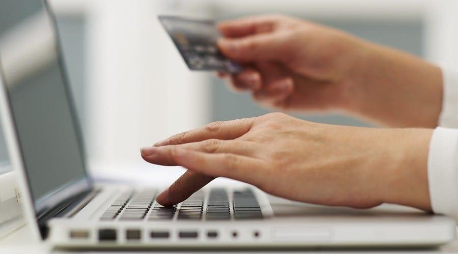 Studiu Epson: Clienții preferă cumpărăturile online
