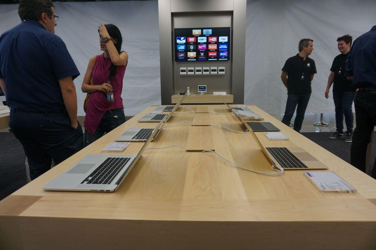 Vezi ce promoții te așteaptă la deschiderea Apple Shop