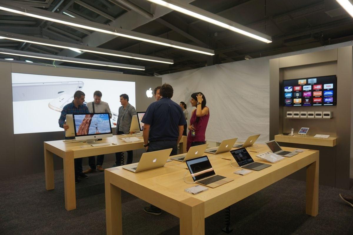 eMAG deschide primul Apple Shop din România