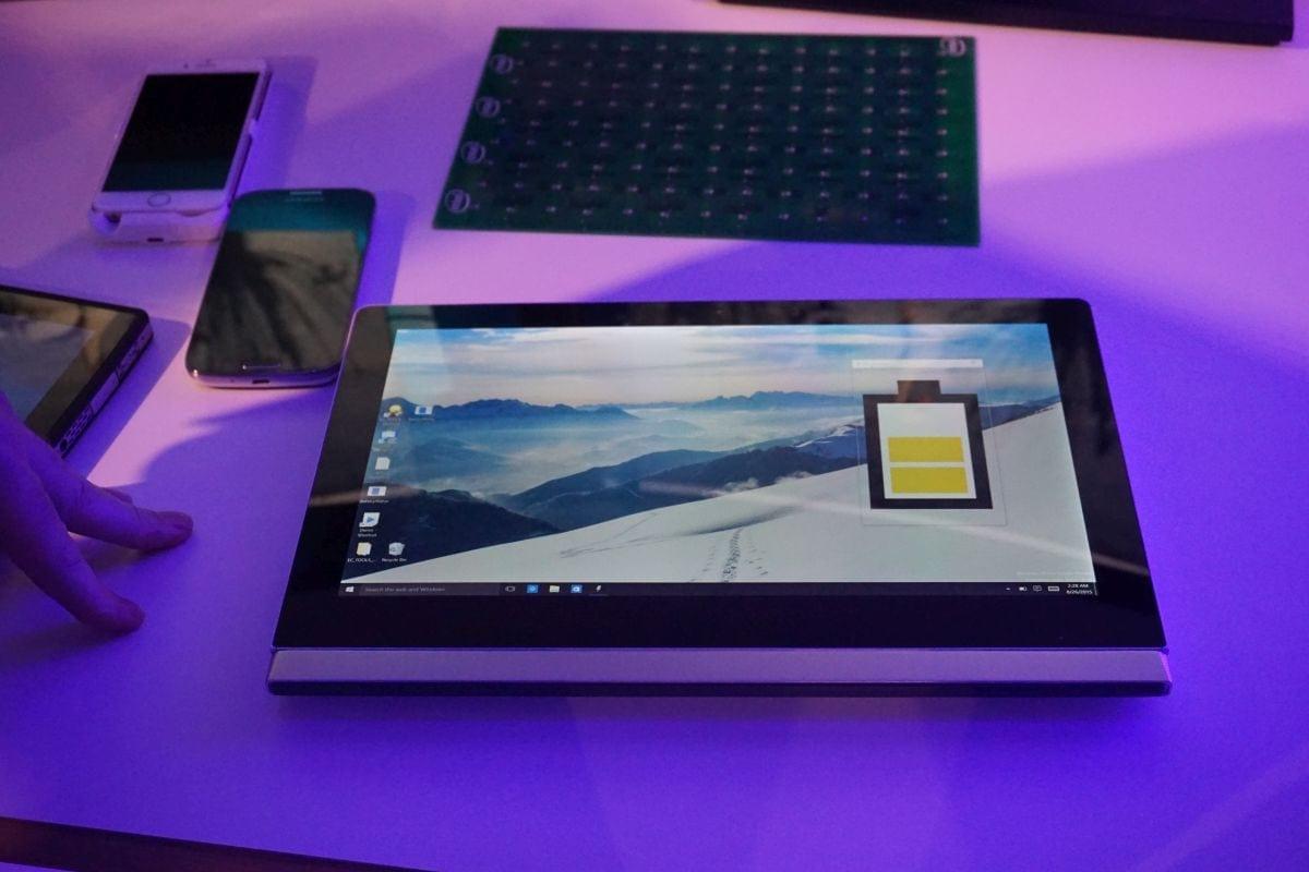 IFA 2015: Intel promite să te scape de fire și demonstrează încărcarea wireless pentru laptop și tehnologia WIGIG