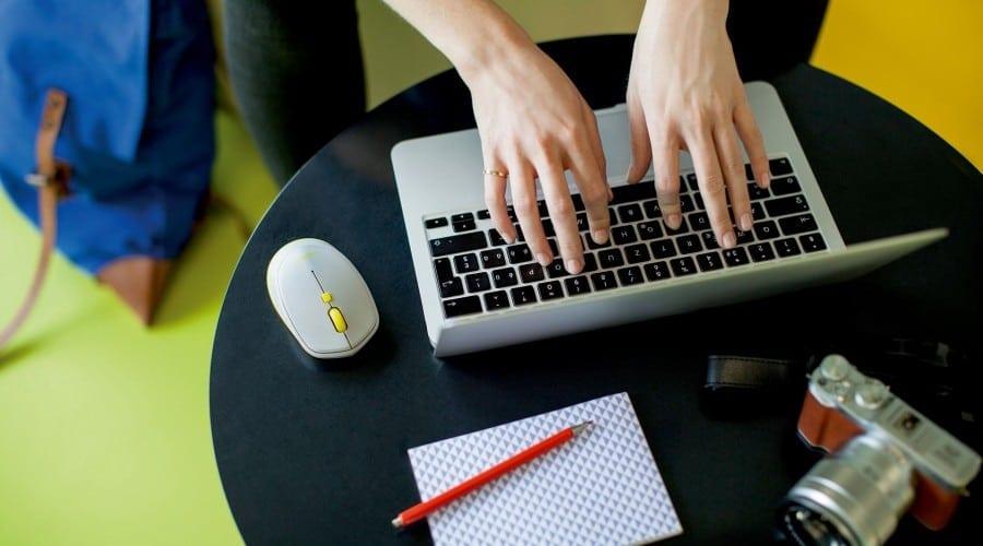 Descoperă noua tastatură și noul mouse de la Logitech