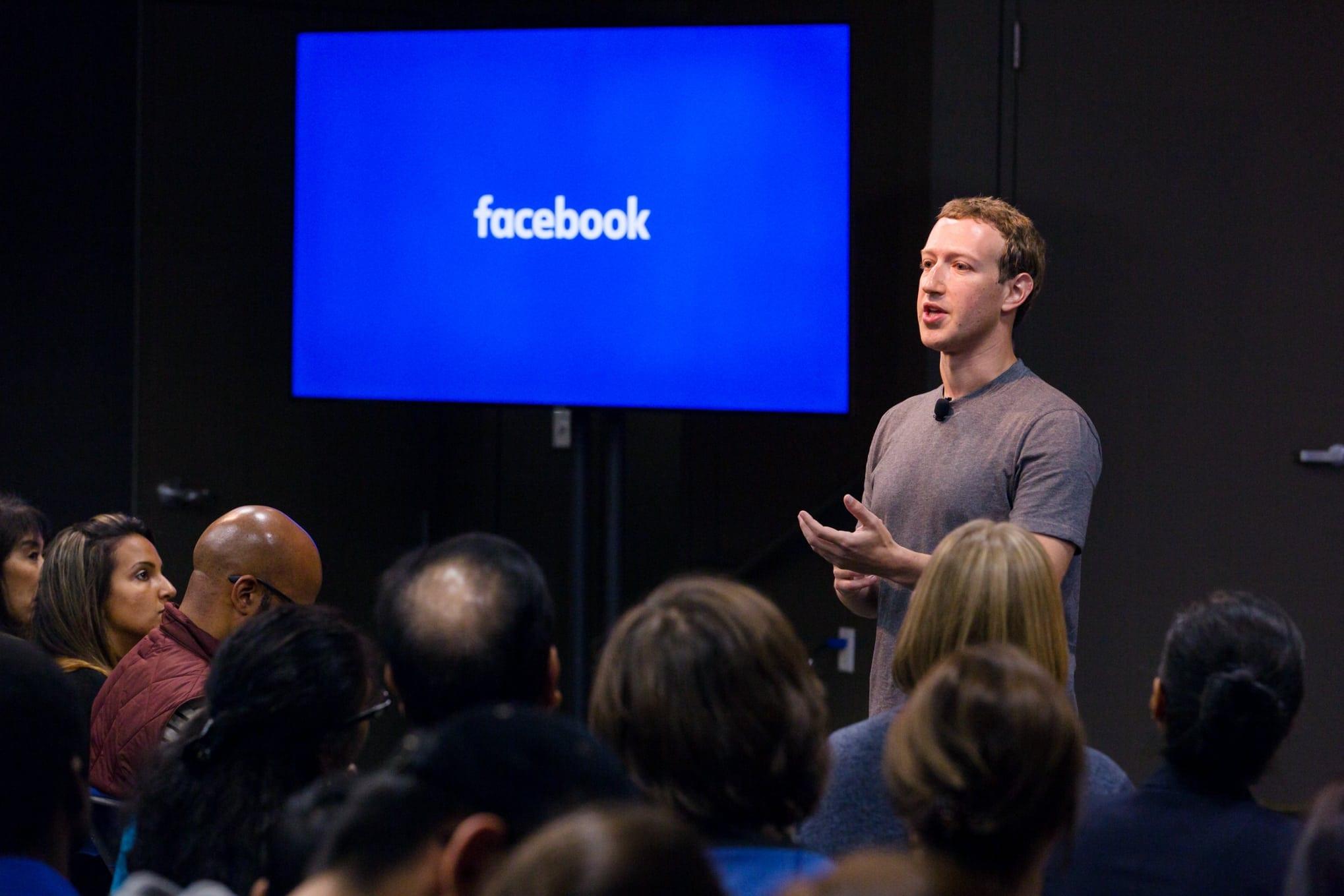 Mark Zuckerberg a pierdut miliarde de dolari din cauza întreruperii majore a Facebook