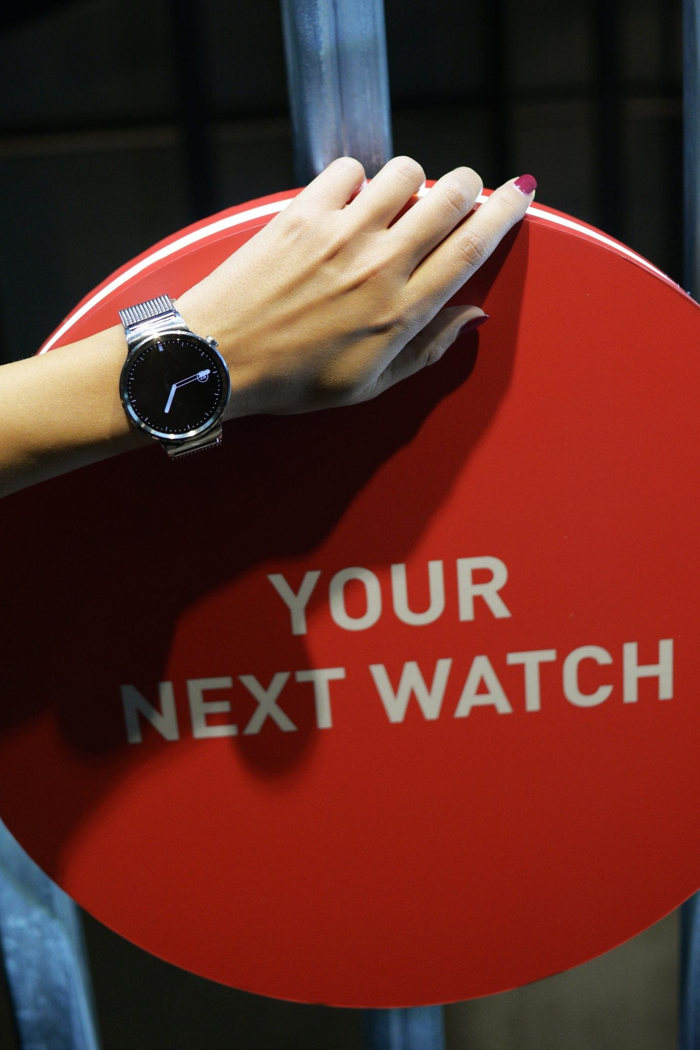 Huawei Watch a fost lansat oficial în România, prețul este de 399 euro