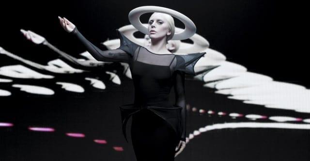 Lady Gaga si Intel 02