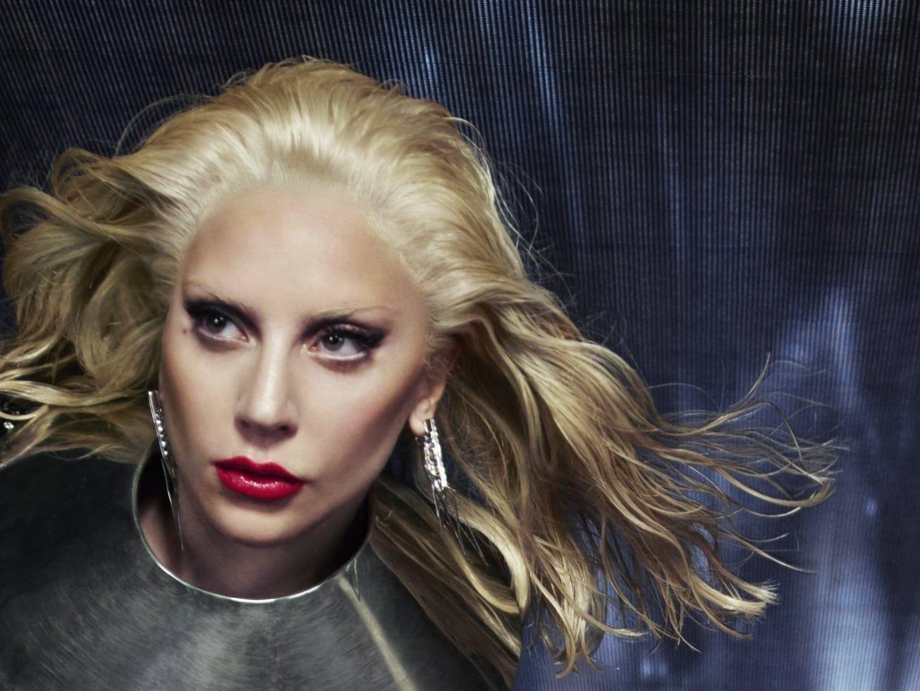 Lady Gaga si Intel 04