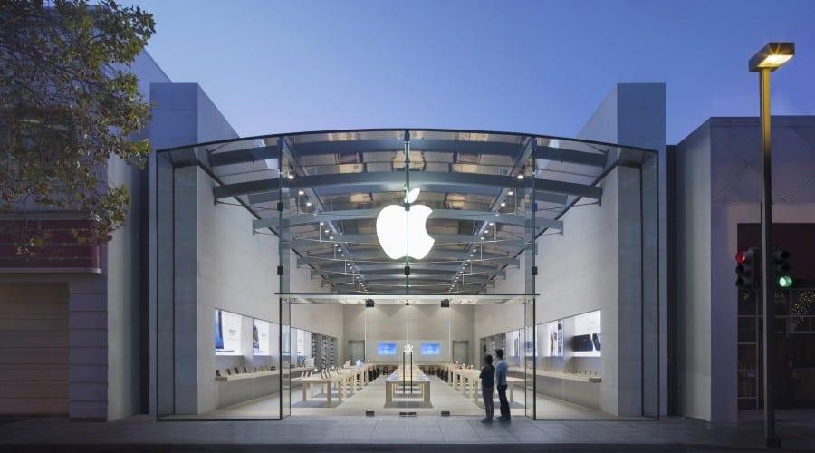 Apple anunță o scădere a veniturilor cu 33%, vânzările de iPhone-uri mai mici cu 23 de milioane de unități