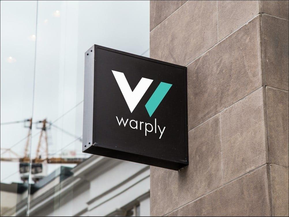 Warply intră pe piața din România