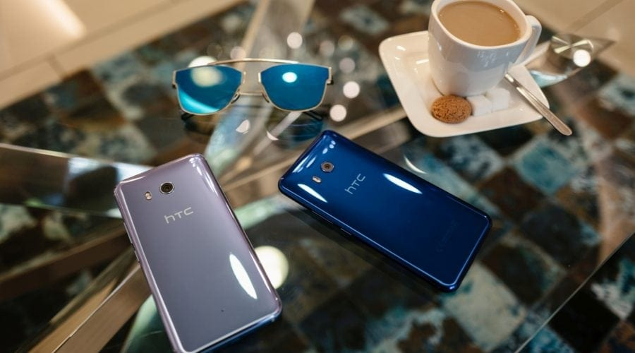 HTC a prezentat noul vârf de gamă, smartphone-ul U11, cu interacțiune la strângere