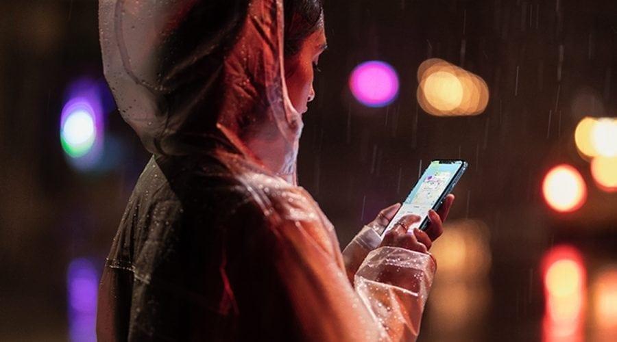 Apple a lansat iPhone Xr, un smartphone mai ieftin și mai colorat