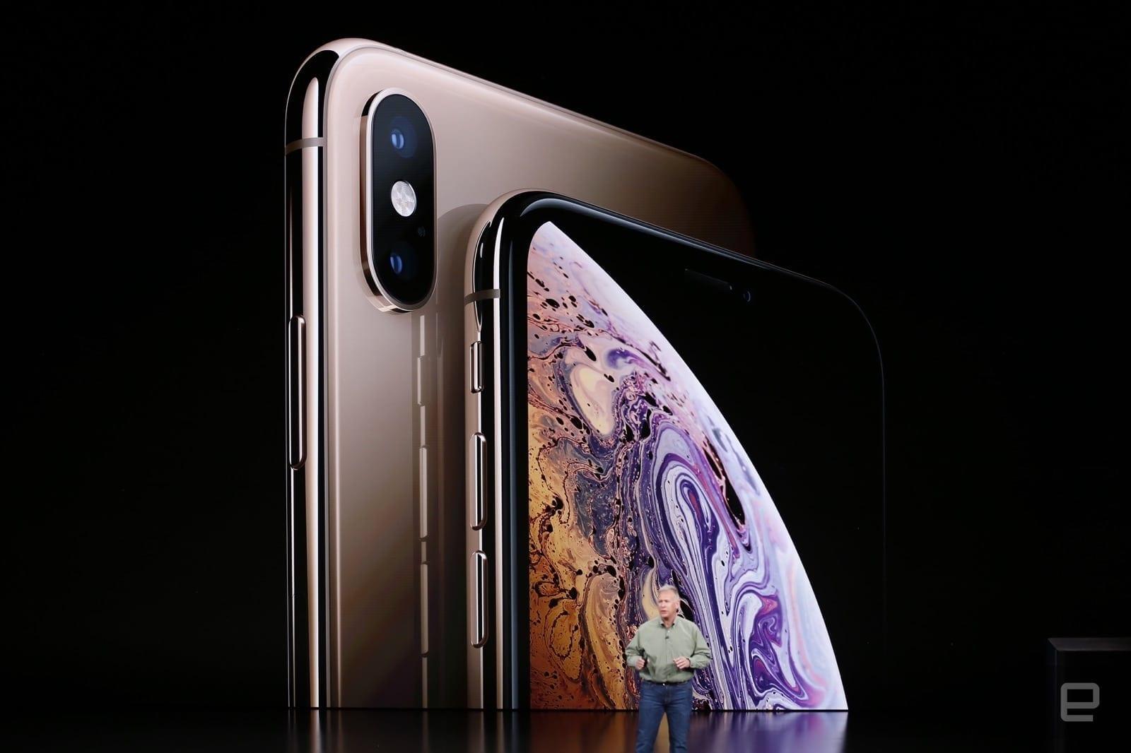 Apple a lansat două modele iPhone Xs. Versiunea Max aduce un ecran uriaș