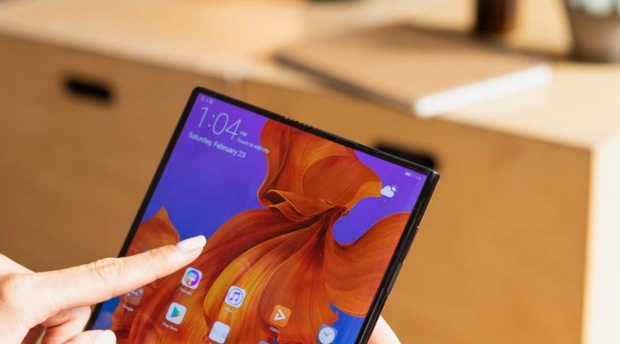 Huawei Mate X ajunge pe piață în această toamnă