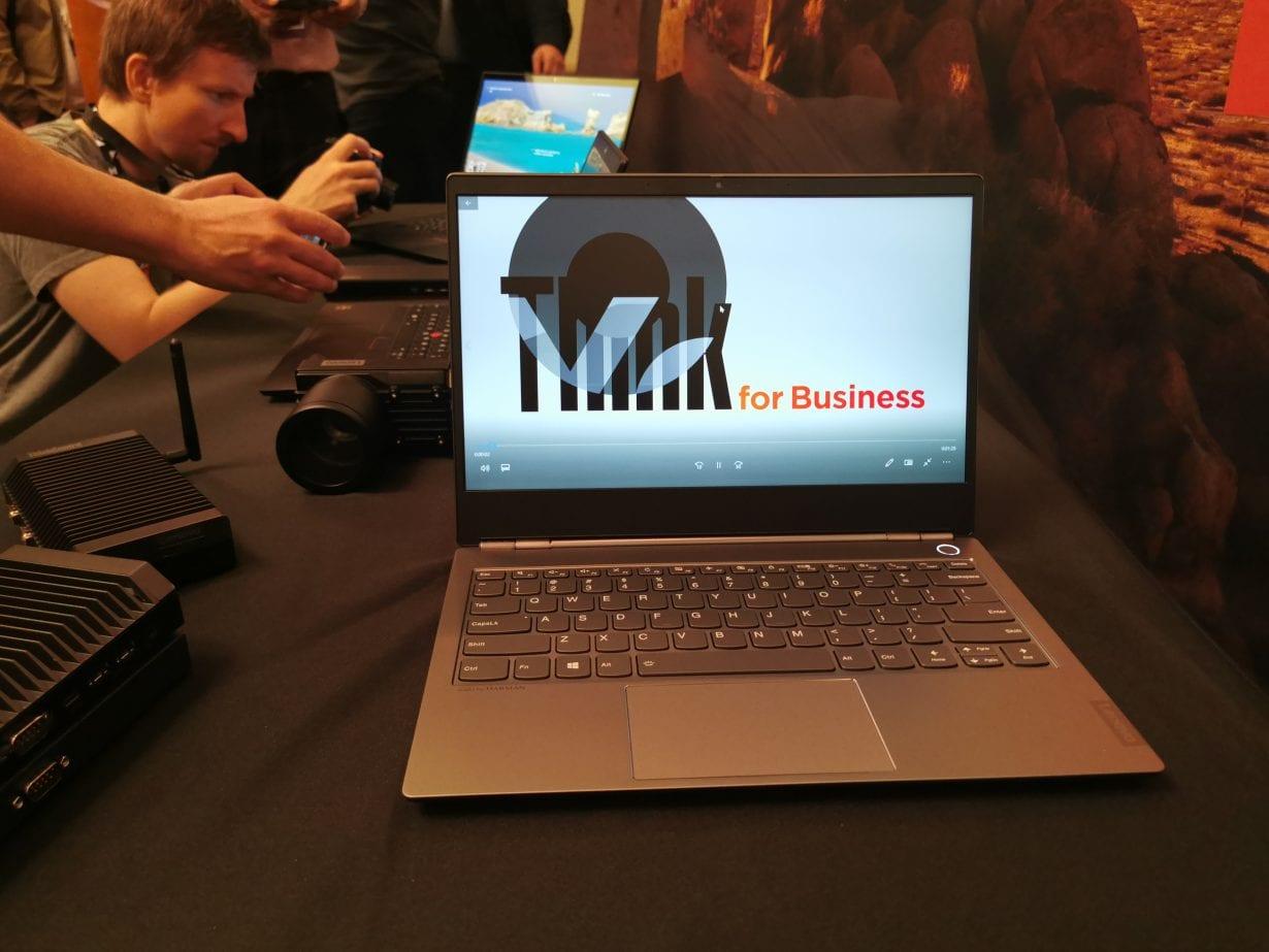 Lenovo lansează laptopurile ThinkBook, modele elegante și accesibile
