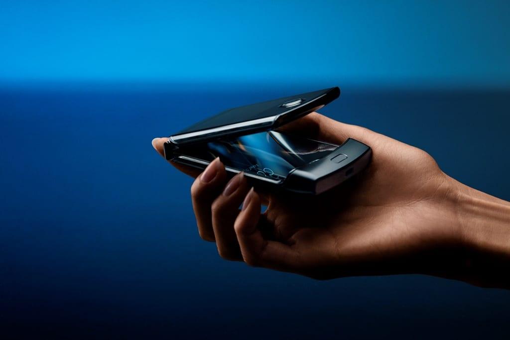 Motorola taie din prețul RAZR
