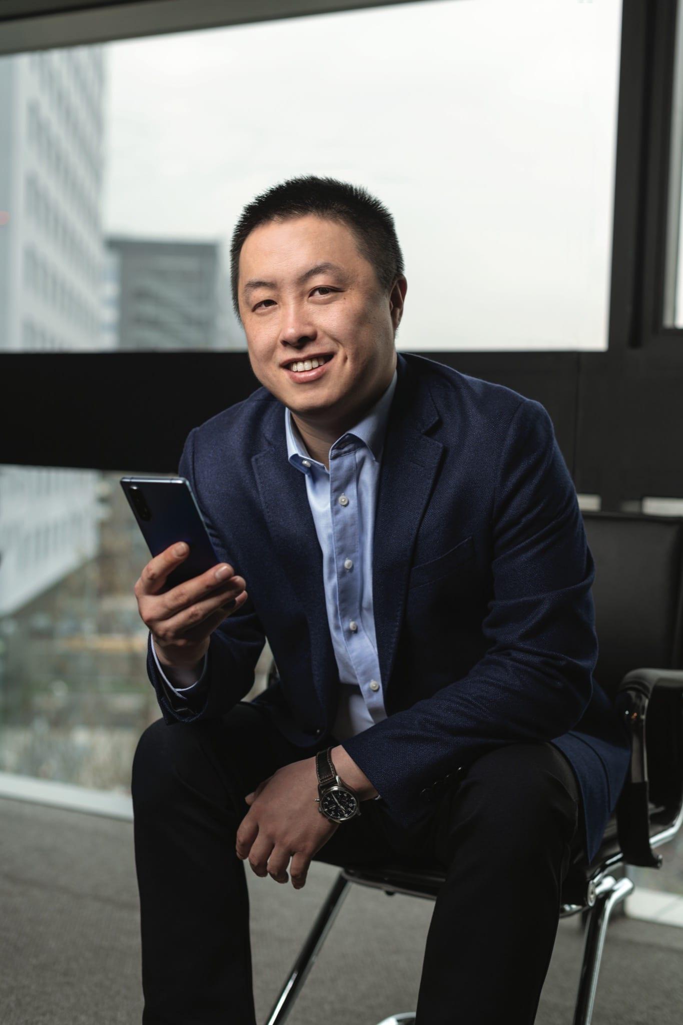 Unul din cele mai puternice branduri de smartphone-uri din lume, OPPO, vine in Romania. Interviu cu Shaohua Yang, General Manager Green Leaves Technical, Distribuitor OPPO Romania