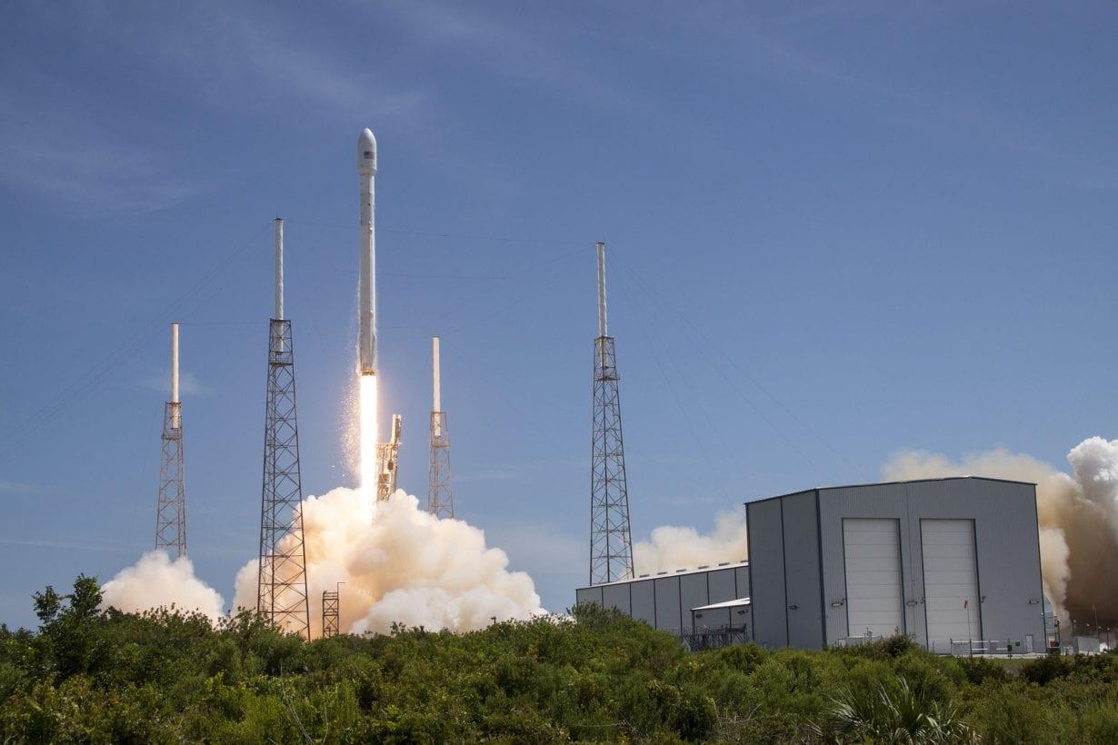 Cât va costa accesul la Starlink, serviciul de internet al lui Elon Musk