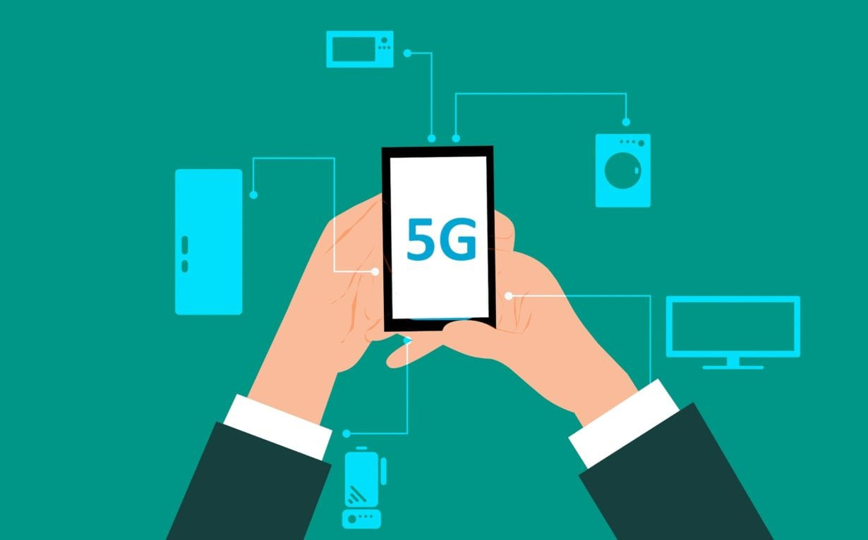 Aproape jumătate dintre românii până în 50 de ani vor să își cumpere telefoane capabile de viteze 5G