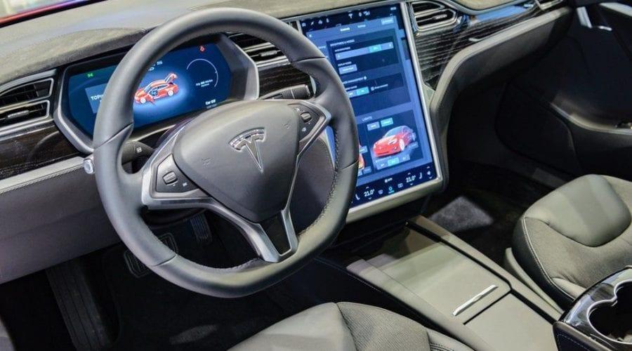 Probleme la Tesla: Producătorul cheamă în service peste 150.000 de autoturisme