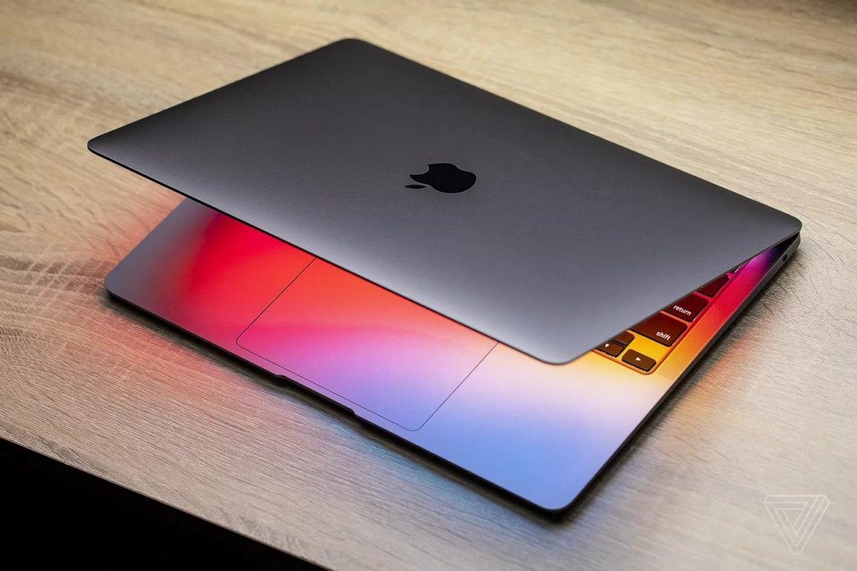 Mai mulți utilizatori MacBook Air întâmpină probleme cu screensaver-ul. Care ar fi motivul