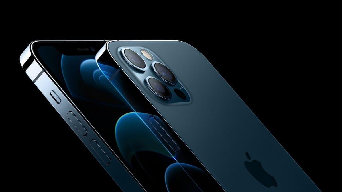 Risc medical: Magneții din iPhone 12 pot afecta negativ defibrilatoarele. Cum se remediază problema