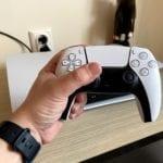"""PlayStation 5 se lovește de o nouă problemă. Controllerele DualSense suferă de """"drifting"""""""