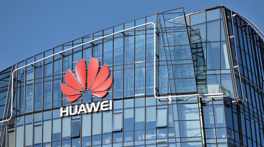 Epopeea Huawei continuă. Compania nu are de gând să vândă afacerea cu smartphone-uri