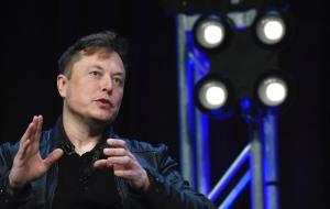 SpaceX dorește să conecteze vehiculele în mișcare la serviciul său de internet prin satelit Starlink
