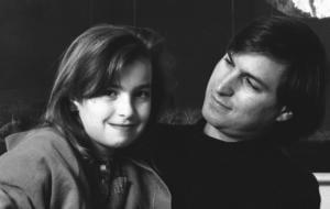"""Povestea Lisei Brennan Jobs, fiica cea mare a cofondatorului Apple, Steve Jobs: """"O poveste de viață și de familie"""""""