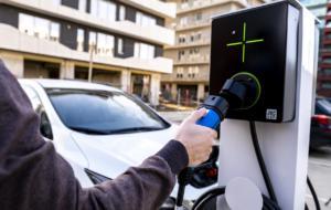 Românii de la LEKTRI.CO vor să ajungă la 1.000 de stații de încărcare pentru mașini electrice vândute în 2021
