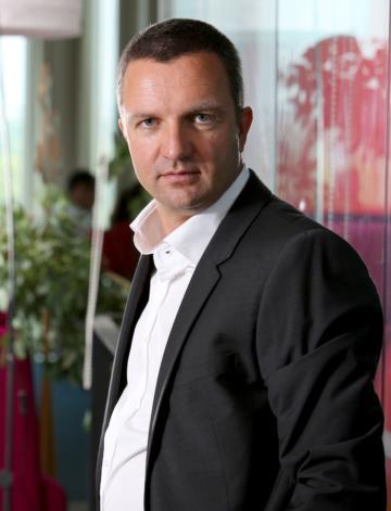 """Tiberiu Dobre, Head of IM Division Samsung România: """"Piața de telefoane mid-range cumulează aproximativ 57% din valoarea telefoanelor vândute de Samsung"""""""