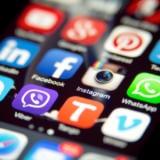 Utilizatorii americani de iPhone au cheltuit în medie 138 USD pentru aplicații în 2020, urmând să crească la 180 USD în 2021