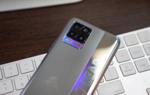 Realme este prima companie care aduce încărcare wireless magnetică pe Android