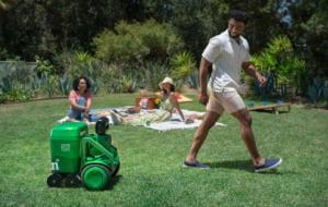 Heineken a creat robotul perfect, care îți aduce bere atunci când ai nevoie